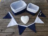 2 Stoffkörbchen & 12er Wimpelkette maritim blau-weiß