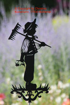 Art.Nr.: 6034G Gartenstecker Junge mit Rechen