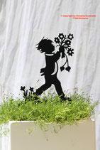 Art.Nr.: 6200ST - Pflanzenstecker Junge mit Strauß