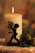 Art.Nr.: 6108K Kerzenständer Junge mit Strauß