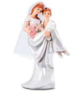 Spose lei e lei in braccio