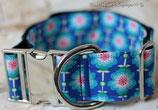 Halsband, blaue Blümchen, Metallverschluss
