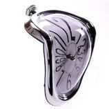 """Schmelzende Uhr mit """"Silberrahmen"""""""