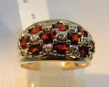 Schicker Granat-Diamant-Ring