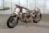Metall- Rennmotorrad
