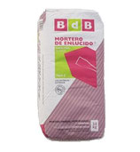Mortero de enlucido blanco impermeable, marca BdB.