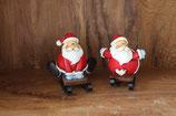 Kerstfiguren op houten slee.