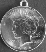 ピース1ドル銀貨ペンダント