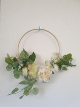 Metallring mit Kunstblumen weiss/grün