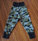 Mitwachshose Camouflage grün Gr. 98/104