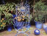 blauer Stuhl -