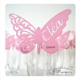 Marque-place papillon en couleur avec prénom découpé et impression de la date et prénom de chaque invité en couleur