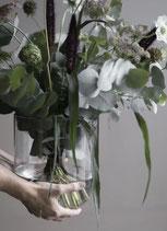 Schlichte große Vase