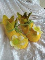 Babyfinkli Gelb mit weisser Blume