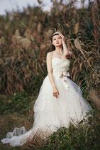 白 Aラインドレス