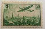 N°14 P.A. 50 f. vert-jaune, avion survolant Paris