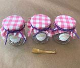 Gläschen-Set, inkl. karriertem Stoff, passendem Band, Holzlöffelchen und Aufkleber