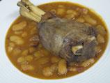 骨付き仔羊スネ肉の煮込みと白インゲン豆のカスレ風
