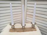 Kerzenhalter auf Holzsockel