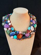 Collier, ras de cou, plastron, pierre naturelle, perle de cristal et perle de verre.