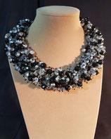 Bijou de soirée, collier court, plastron cristal noir et argenté