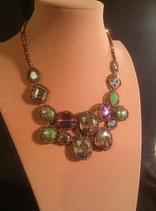 Collier, plastron, en cristal serti de perles de rocaille.