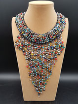 Création Unique, Collier long, style cascade en cristal multicolore