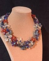 Collier, court, ras de cou, petites fleurs en pierres naturelles, multicolore,