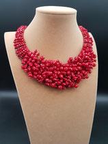 Collier, collier court, plastron cristal rouge