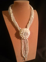 Collier mi-long, perle de culture d'eau douce, cristal, fleur perle d'eau douce
