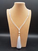 Sautoir, fin, perle de culture d'eau douce, perle de rocaille et pompon blanc,
