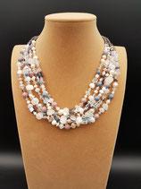 Collier, collier mi-long, perle de culture d'eau douce, pierre, cristal et perle de verre.