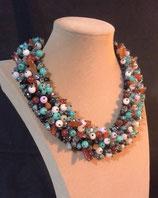 Collier, ras de cou, plastron, pierres et cristal multicolore,