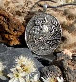Amulett EULE UHU auf Ast groß