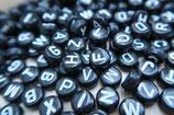 DIY Buchstabenperlen schwarz-weiß