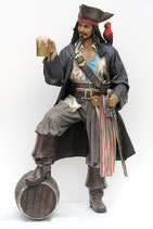 2518VH Pirat Figur lebensgroß