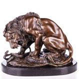 RIYB310 Bronzefigur Löwe mit Schlange nach Barye