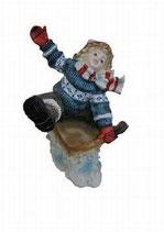 151100 Winterkind Figur Schlitten