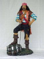 14101 Dekofigur Pirat steht mit Faß lebensgroß