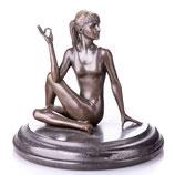 RIBT858 Bronzefigur Frau beim Yoga