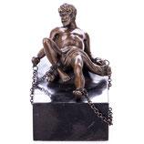 RIYB535 Mythologische Bronzefigur des Titanen Prometheus am Felsen festgekettet