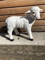 RIB5 Schaf Figur steht