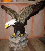20120 Adler auf Felssockel