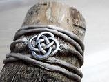 Beiges Seidenarmband Keltischer Knoten Antik silber