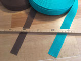 Gurtbänder in verschiedenen Farben und Größen
