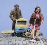Chanteurs de rue avec orgue de Barbarie (R72465)