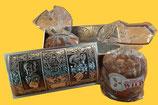Sammlertruhe Nostalgie, gefüllt mit 2 Päckchen á 5 leckeren Elisen Lebkuchen. Inhalt 2 x 400g.