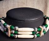 Choker, (Kropfband) mit grünen Wickelglas-Perlen (CH 29)