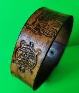 LEDER Armband punziert, Deko Büffelschädel, Schildkröte, Farbe Tan (RLA20)