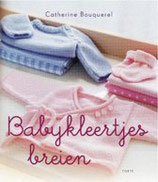 Baby kleertjes breien.